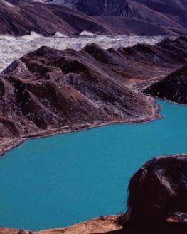 7 lacs incroyables au Népal